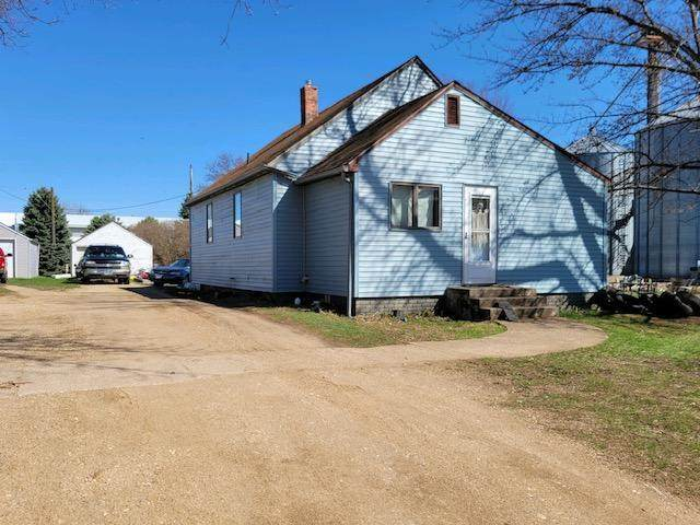 950 1st Avenue W, Edgerton, MN 56128 (#5743653) :: The Jacob Olson Team