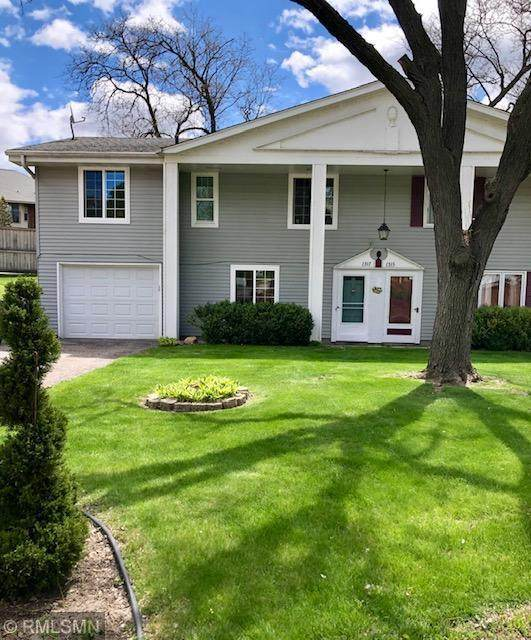 1317 Douglas Drive N, Golden Valley, MN 55422 (#5754826) :: Tony Farah | Coldwell Banker Realty