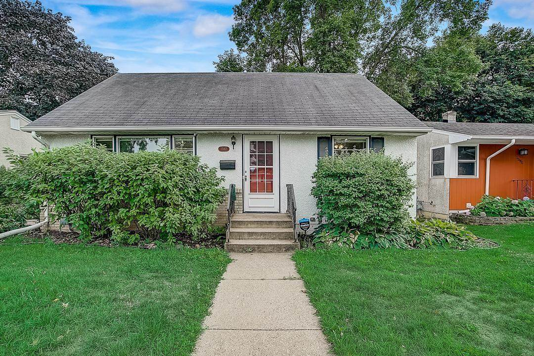1592 Cottage Avenue - Photo 1
