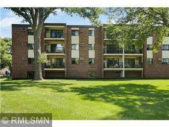 4 Pine Tree Drive #321, Arden Hills, MN 55112 (#6089380) :: The Pietig Properties Group