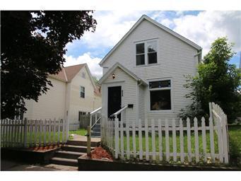 854 Lawson Avenue E, Saint Paul, MN 55106 (#4987260) :: The Snyder Team
