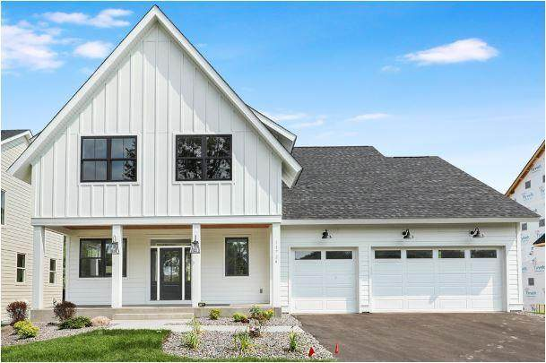 11724 Azure Lane, Inver Grove Heights, MN 55077 (#5485355) :: Bre Berry & Company