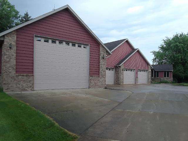 1 Riverview Drive, Morris, MN 56267 (#5542859) :: Bos Realty Group