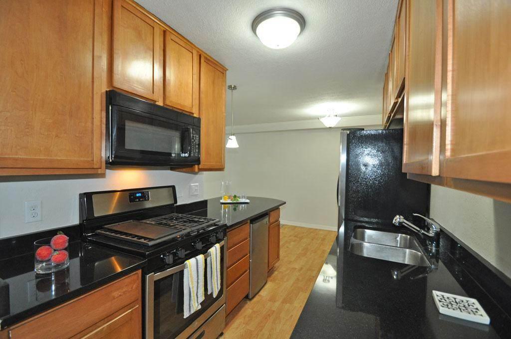 3120 Hennepin Avenue - Photo 1