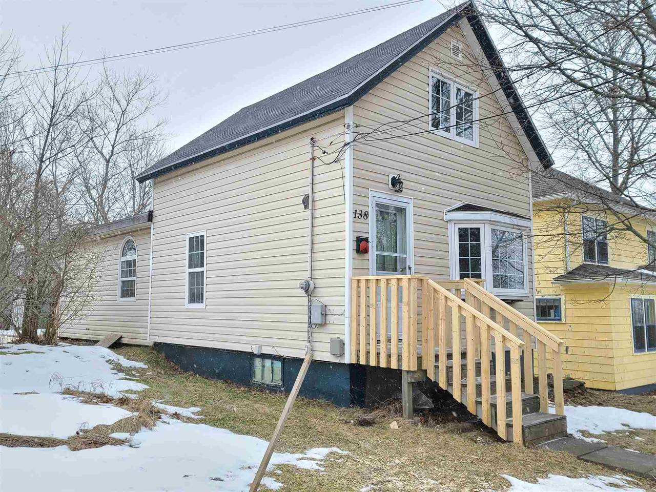 138 Young Street - Photo 1