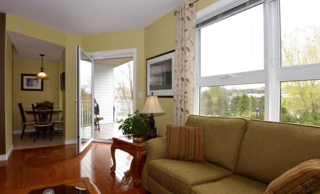 99 Waterfront Drive #301, Bedford, NS B4A 4K5 (MLS #201725971) :: Don Ranni Real Estate