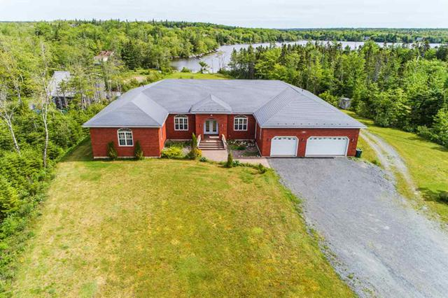 22 Mersey Court, Hatchet Lake, NS B2R 1R7 (MLS #201726152) :: Don Ranni Real Estate