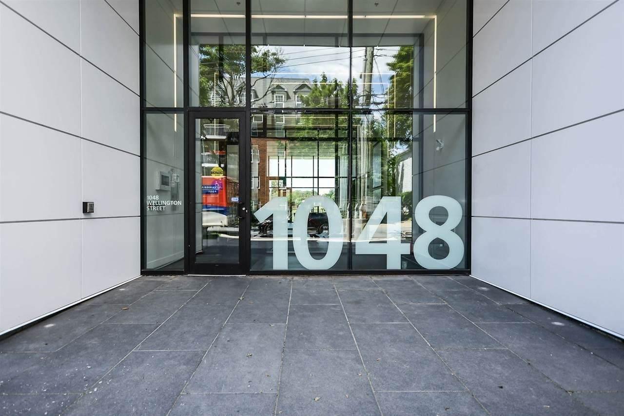 1048 Wellington Street - Photo 1