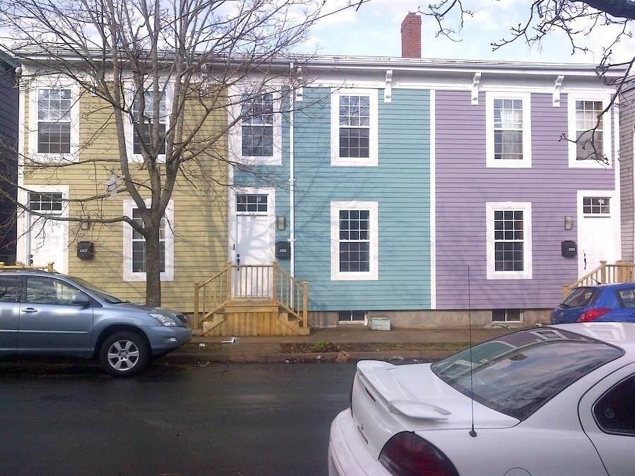 2323-2327 Creighton Avenue - Photo 1