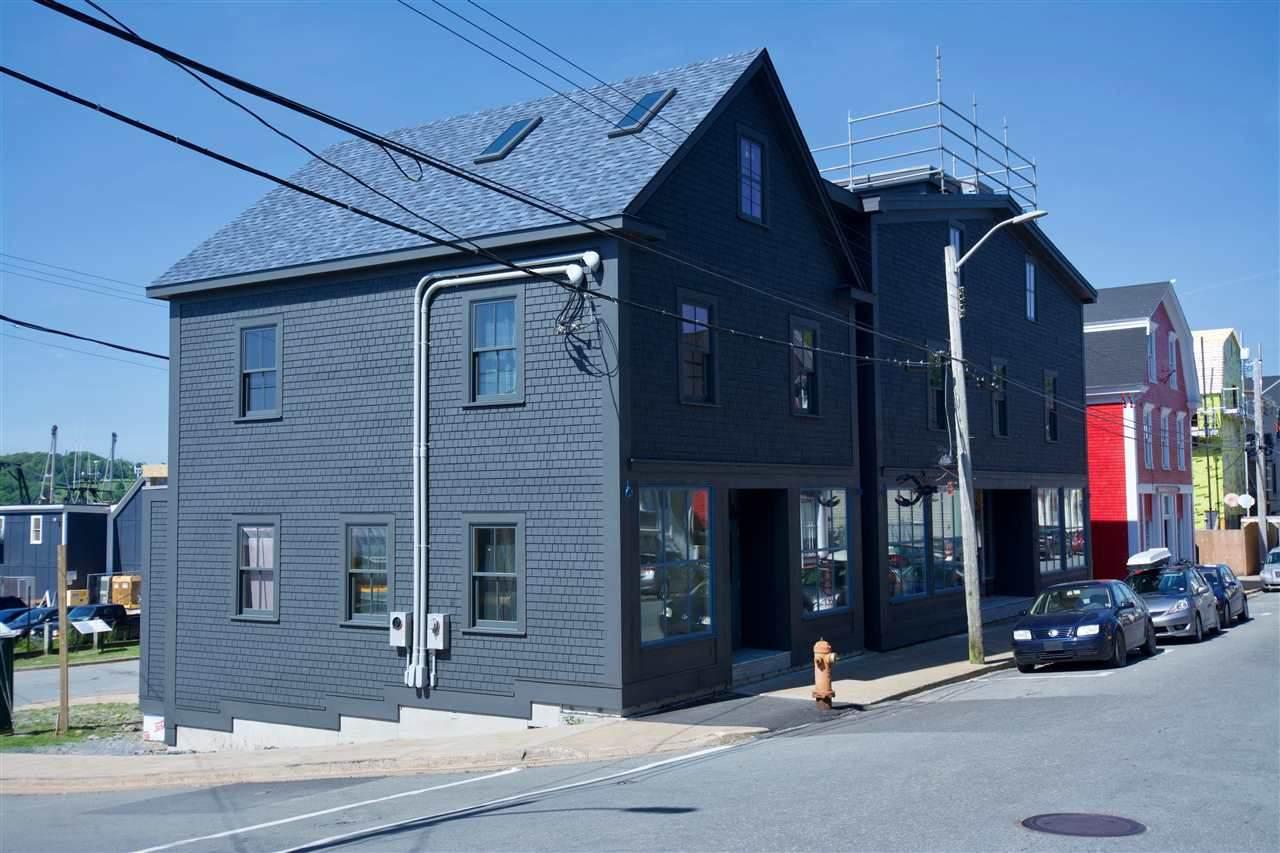 182 Montague Street - Photo 1