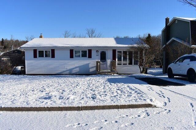 182 Alder Crescent, Lower Sackville, NS B4C 1A3 (MLS #201802836) :: Don Ranni Real Estate