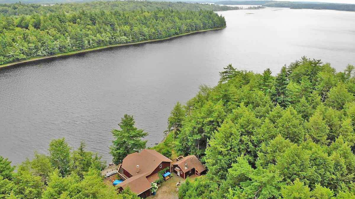 587 Peter's Point Road - Photo 1