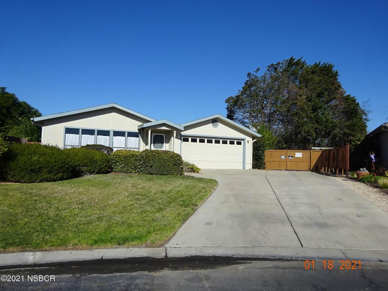 995 Ridge View Drive - Photo 1