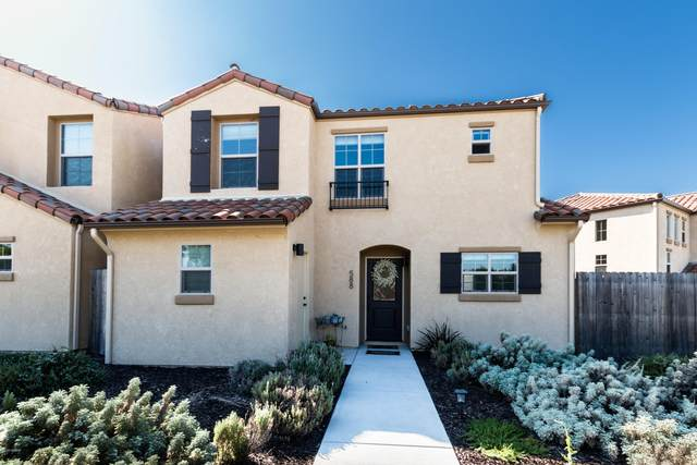 588 River Oaks Drive, Paso Robles, CA 93446 (MLS #20001907) :: The Epstein Partners