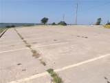 2001 Cedar Creek Parkway - Photo 32