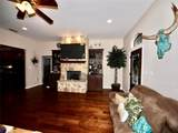 1202 Thomas Lane - Photo 4