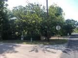 1050 Oak Street - Photo 10