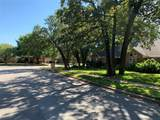 2902 Creekview Circle - Photo 31
