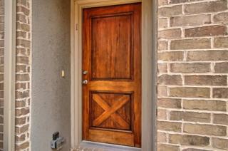 2217 Highland Villa Lane, Arlington, TX 76012 (MLS #13608773) :: NewHomePrograms.com LLC