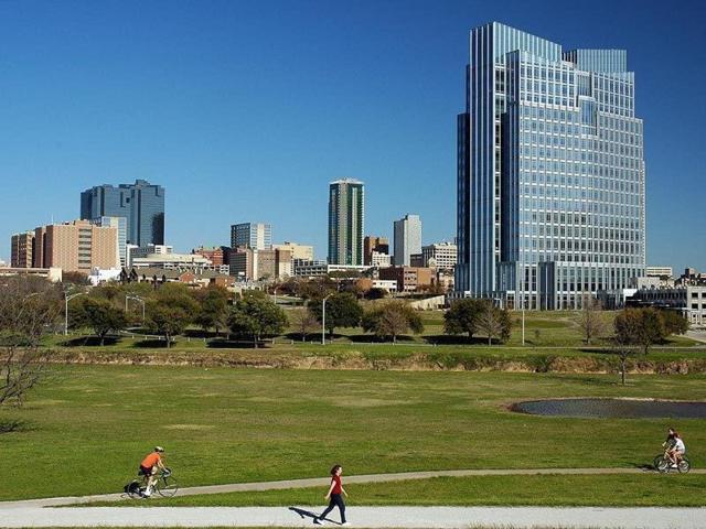 912 W Peach Street, Fort Worth, TX 76102 (MLS #13611557) :: The Mitchell Group
