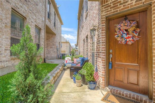 6744 Pistoia Drive, Frisco, TX 75034 (MLS #13629226) :: Real Estate By Design