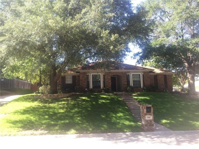 1906 Ola Lane, Grand Prairie, TX 75050 (MLS #13631753) :: Century 21 Judge Fite Company