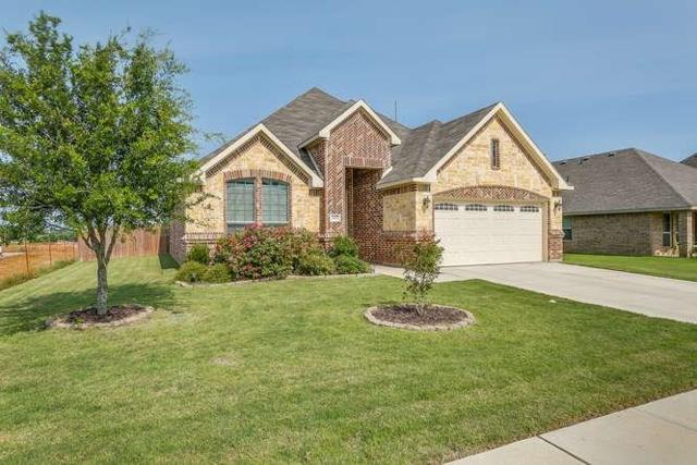 6429 Bluebird Meadows Drive, Burleson, TX 76058 (MLS #13632479) :: The Mitchell Group