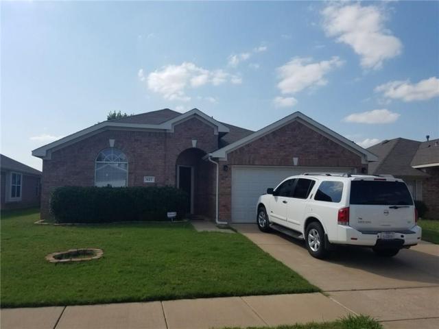 627 Soledad Street, Arlington, TX 76002 (MLS #13659587) :: Team Hodnett