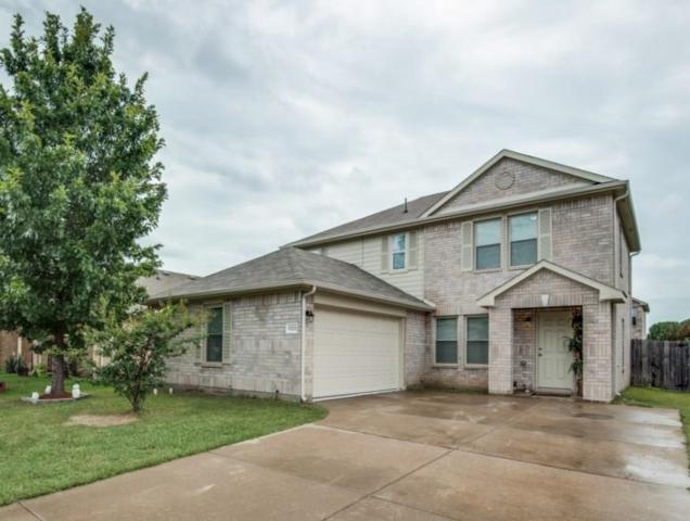 5323 Throckmorton Drive, Grand Prairie, TX 75052 (MLS #13673049) :: Pinnacle Realty Team