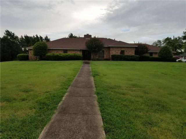 704 N Cockrell Hill Road, Desoto, TX 75115 (MLS #13676347) :: Pinnacle Realty Team