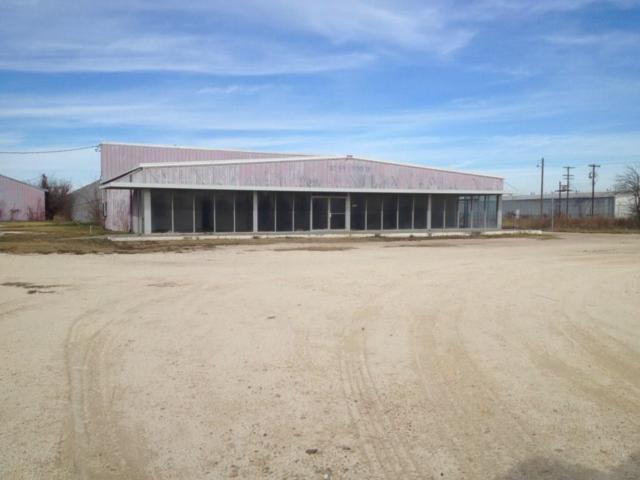 1105 E Kilpatrick Street, Cleburne, TX 76031 (MLS #13676845) :: Century 21 Judge Fite Company