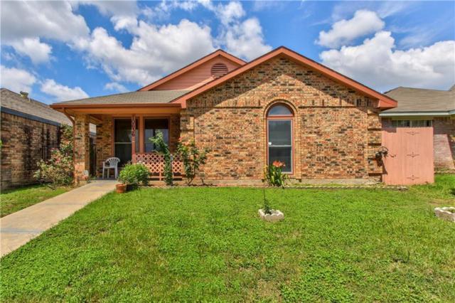 10636 Woodleaf Drive, Dallas, TX 75227 (MLS #13681898) :: Kimberly Davis & Associates