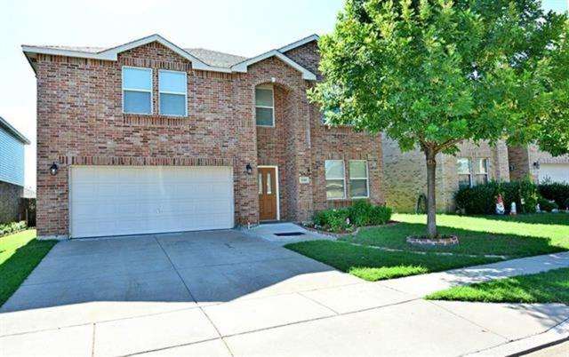 7645 Sienna Ridge Lane, Fort Worth, TX 76131 (MLS #13695544) :: The Real Estate Station