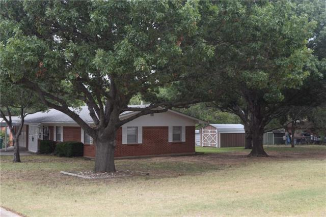 401 11th Street, Nocona, TX 76255 (MLS #13705582) :: Team Hodnett