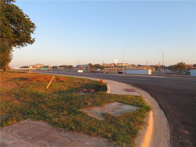 1200 Avenue C Avenue, Denton, TX 76205 (MLS #13711295) :: Henegar Property Group -- Keller Williams Realty