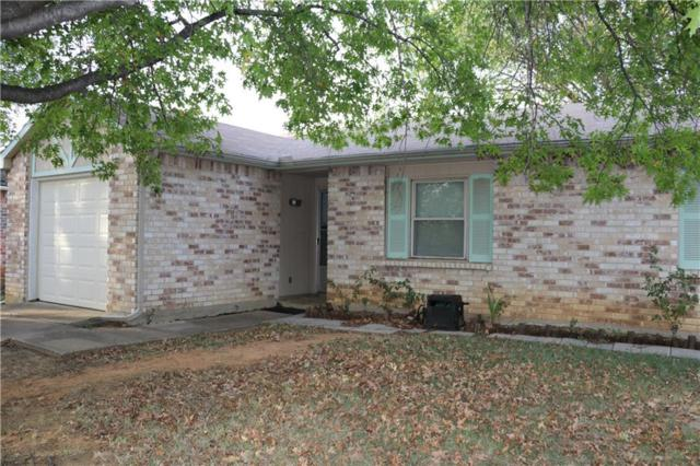 7021 Greenview Circle N, Fort Worth, TX 76120 (MLS #13715830) :: Real Estate By Design