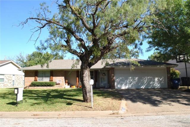 1501 Fairway, Graham, TX 76450 (MLS #13719306) :: Team Hodnett