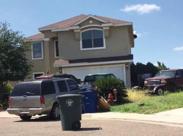 302 Jazmin Drive, Laredo, TX 78043 (MLS #13728234) :: Carrington Real Estate Services