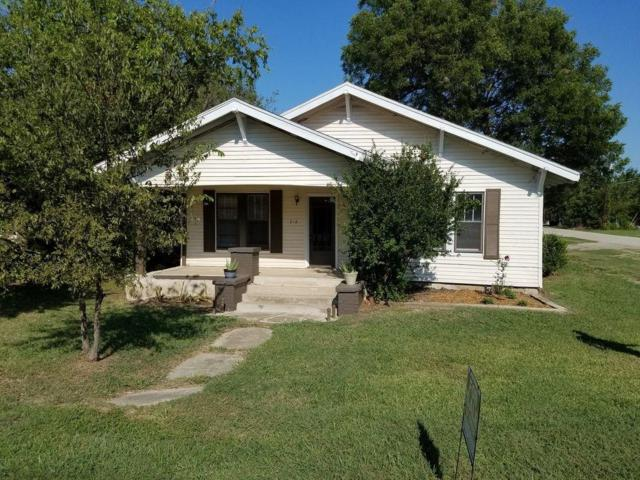 218 S 5th Street, Sanger, TX 76266 (MLS #13734097) :: Kindle Realty