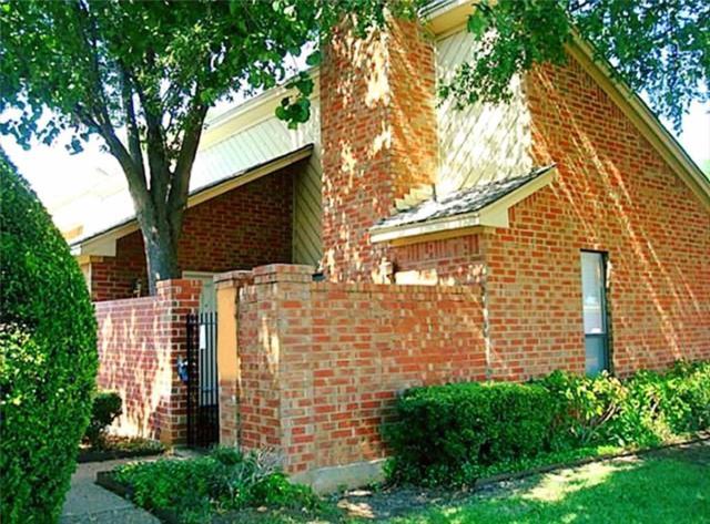 905 Cedarland Boulevard, Arlington, TX 76011 (MLS #13738420) :: Team Hodnett