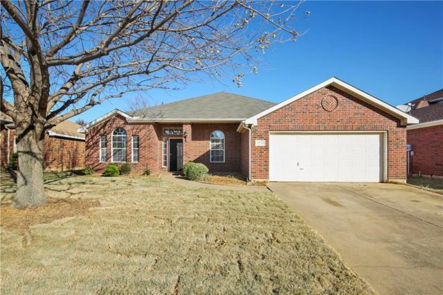2732 Excalibur Drive, Grand Prairie, TX 75052 (MLS #13739513) :: Century 21 Judge Fite Company