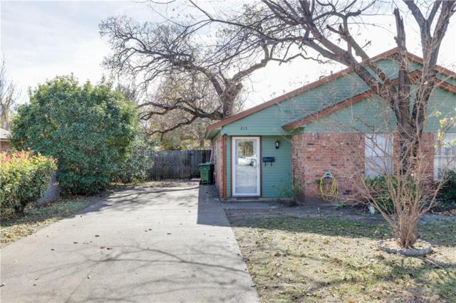 215 W Peach Street, Grapevine, TX 76051 (MLS #13743003) :: Carrington Real Estate Services