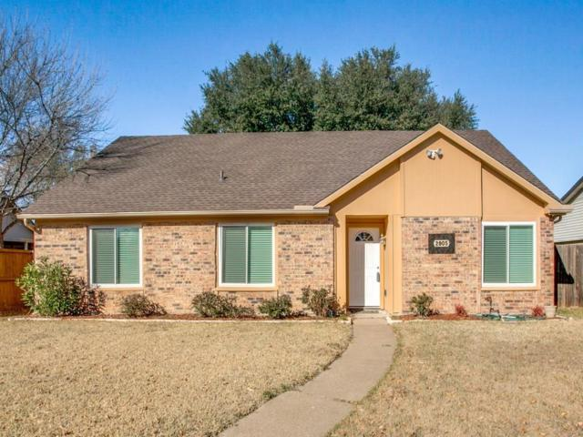 2905 Lancer Lane, Garland, TX 75044 (MLS #13743677) :: Carrington Real Estate Services