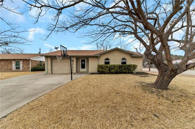 302 W Ferndale Lane, Grand Prairie, TX 75052 (MLS #13748260) :: The Holman Group
