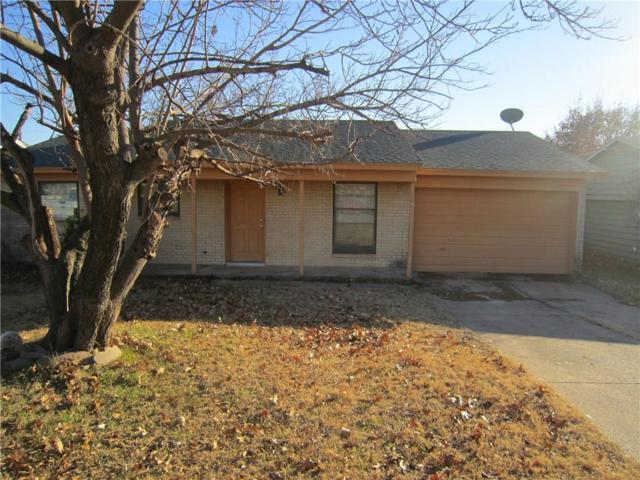 2333 April Lane, Grand Prairie, TX 75050 (MLS #13757423) :: The Holman Group