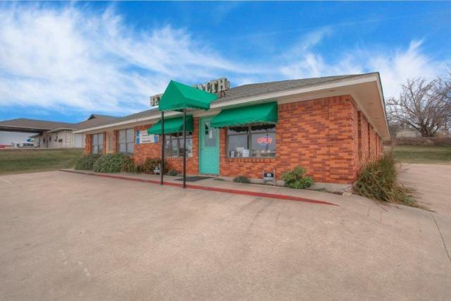 1716 Santa Fe Drive, Weatherford, TX 76086 (MLS #13761144) :: Team Hodnett