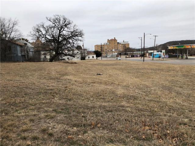 704 N Oak Avenue, Mineral Wells, TX 76067 (MLS #13772346) :: Magnolia Realty