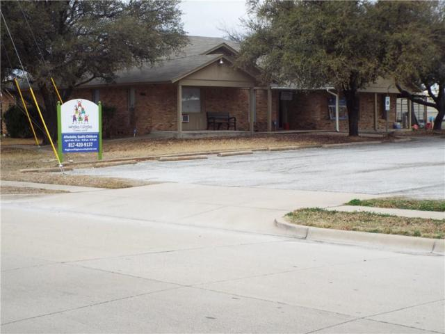401 N Cozby, Benbrook, TX 76126 (MLS #13780248) :: The Real Estate Station