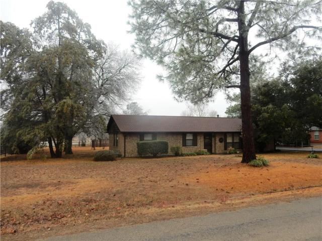 251 E Holiday Street, Pilot Point, TX 76258 (MLS #13782107) :: Kindle Realty