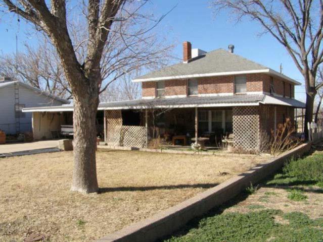 1913 E 12th Street, Sweetwater, TX 79556 (MLS #13788892) :: Team Hodnett